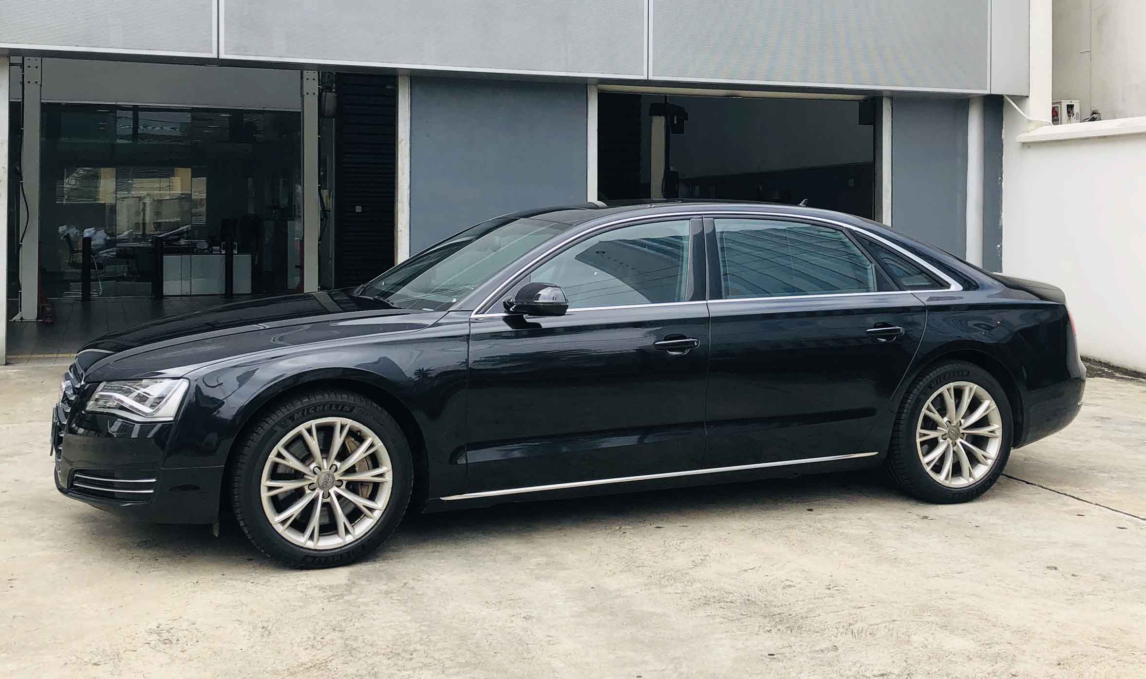 stallion approved - pre-owned audi 8 - side view